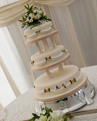 traditional wedding cakes in england special wedding cakes traditional wedding cake 21194